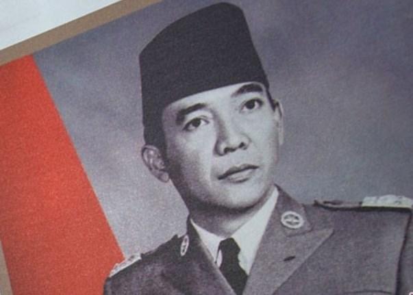 Bung Karno dalam salah satu pernyataannya menyebutkan Bangsa Indonesia bukan saja bertuhan, tetapi masing-masing orang Indonesia hendaknya bertuhan dengan Tuhannya sendiri. - Antara