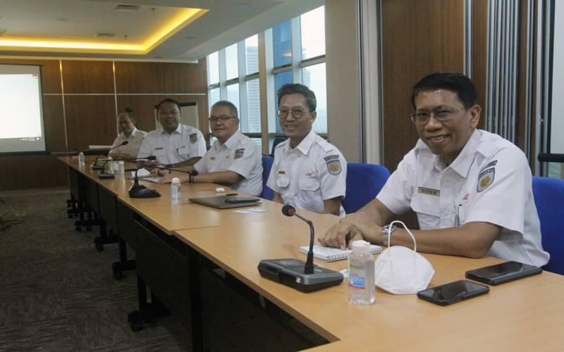Jajaran direksi PT Kereta Api Indonesia berkunjung ke Bisnis Indonesia, Senin (18/5/2020) .JIBI - Bisnis/Dedi Gunawan