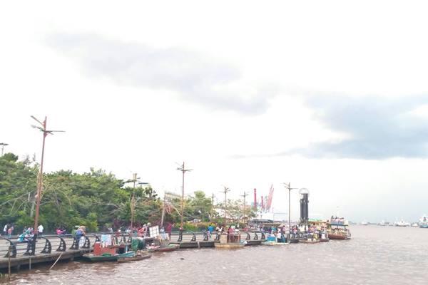Taman Alun-Alun Kapuas di Pontianak, Kalimantan Barat. - Bisnis.com/Yanuarius Viodeogo