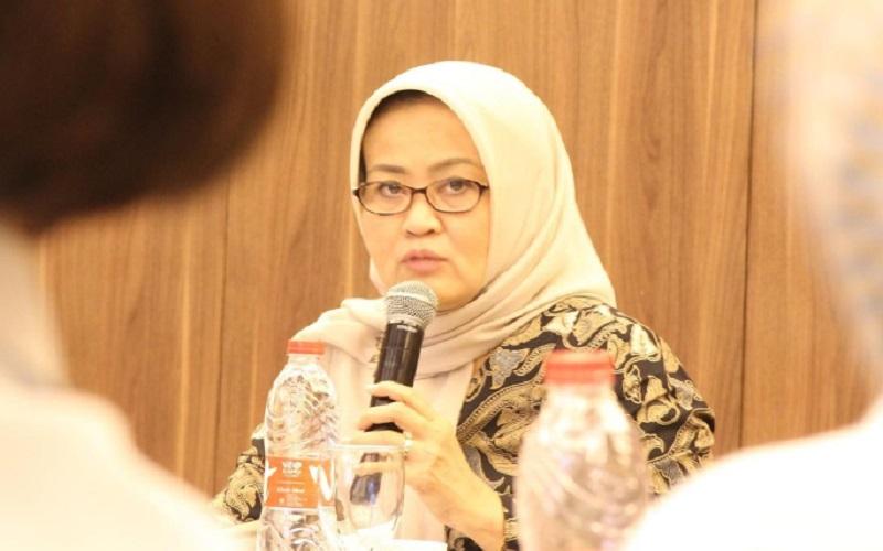 Kepala Dinas Penanaman Modal dan Pelayanan Terpadu Satu Pintu (DPMPTSP) Jawa Barat Noneng Komara