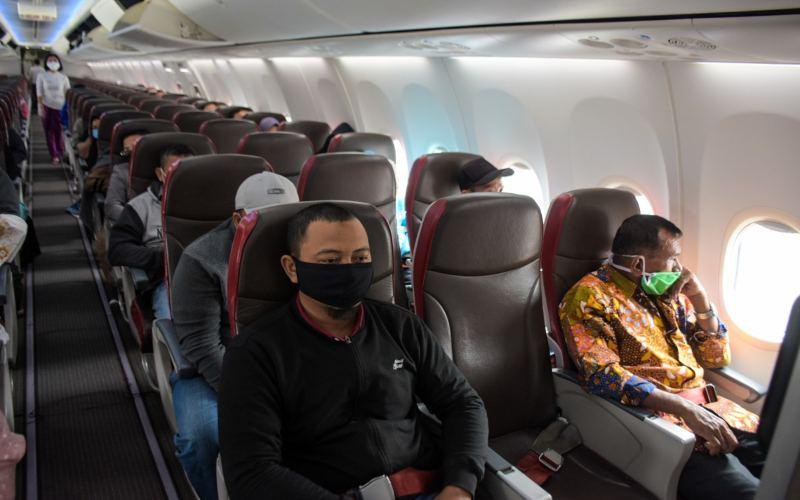 Lion Air menerapkan kebijakan jaga jarak saat di pesawat saat new normal. - istimewa