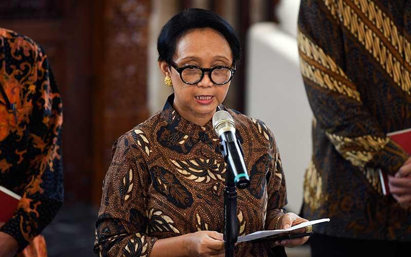 Menteri Luar Negeri Retno LP Marsudi memberikan pernyataan pers terkait larangan masuk bagi warga negara asing ke Indonesia di Kantor Kementerian Luar Negeri Jakarta, Kamis (5/3/2020). ANTARA FOTO - Wahyu Putro A