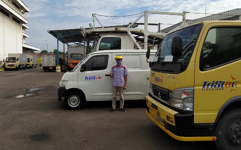 PT Tristar Transindo merupakan unit usaha dari Wahana Artha Group (WAG) yang bergerak di bidang layanan transportasi logistik.  - Tristar Transindo
