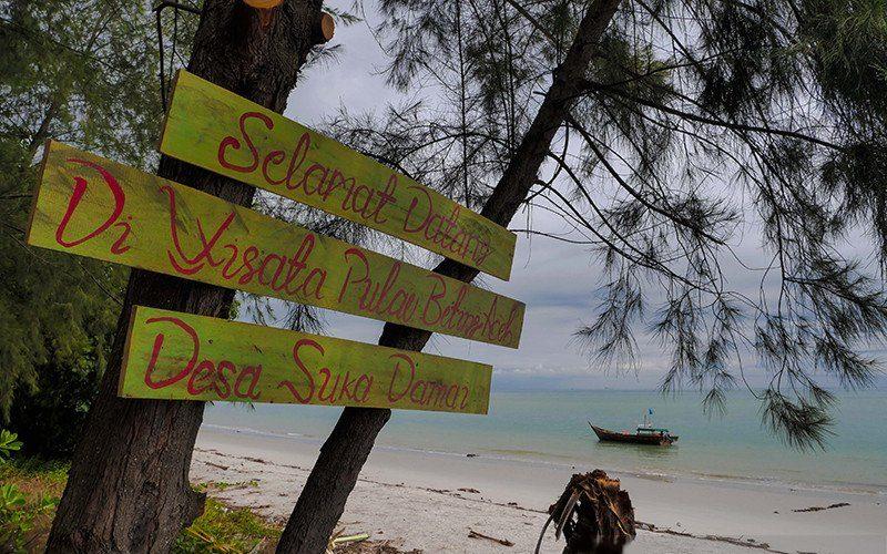 Pesona pantai Beting Aceh di Pulau Rupat Kabupaten Bengkalis, Provinsi Riau. /ANTARA - HO/Dispar Riau