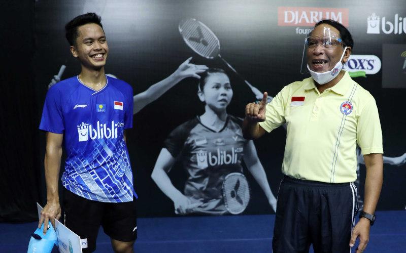 Menteri Pemuda dan Olahraga Zainudin Amali (kanan) bersama Anthony Ginting - Badminton Indonesia