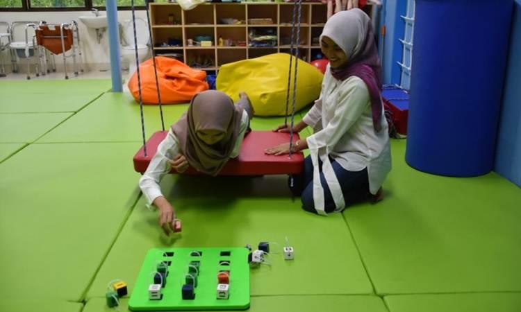 Ilustrasi mahasiswa tengah praktikum di Lab Sensori Integrasi Vokasi Universitas Indonesia./Antara - Humas UI