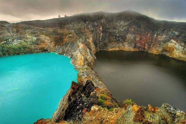 Danau Kelimutu di NTT - indonesia.travel