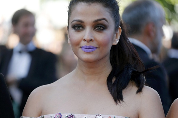 Aishwarya Rai di Festival Film Cannes 2016 - Reuters