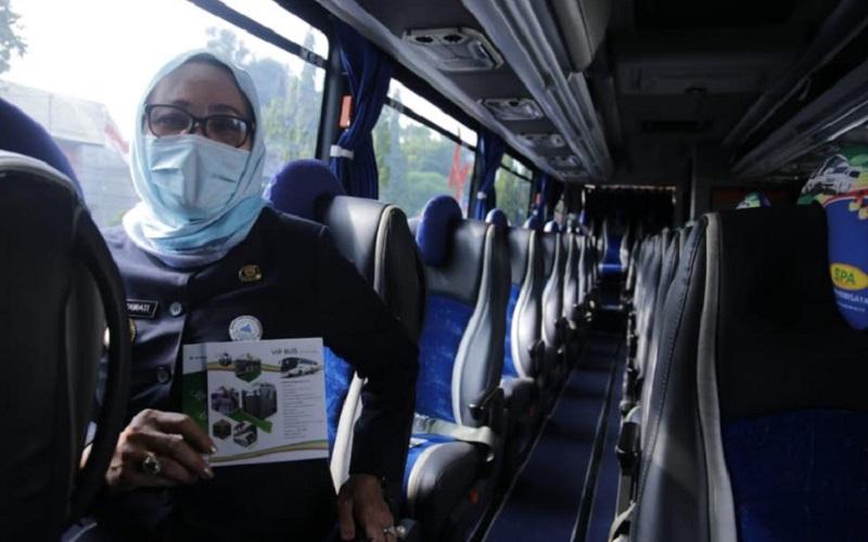 Simulasi smart city tour Cirebon untuk membangkitkan kembali industri pariwisata, yang dimulai dari Balai Kota Cirebon, Jalan Siliwangi, Kota Cirebon. - Bisnis/Hakim Baihaqi