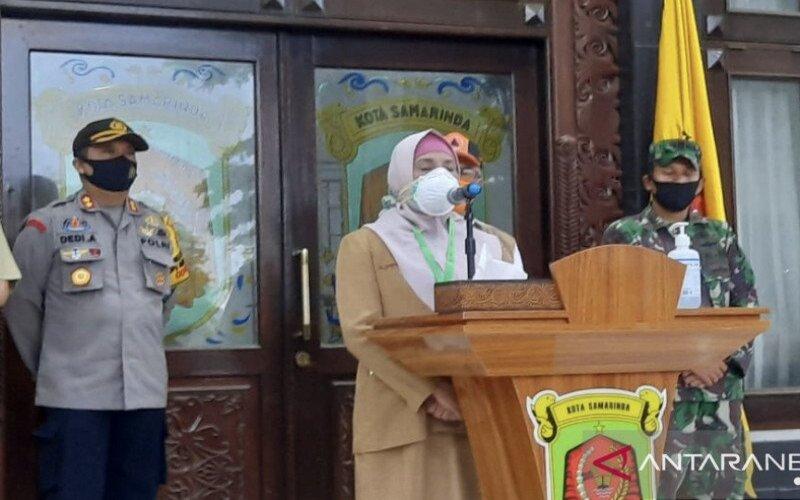 Direktur Utama RS IA Moeis, Syarifah Rahimah saat memberikan keterangan update Covid-19 di rumah jabatan Wali Kota Jalan S Parman, Selasa (14/7/2020). - Antara/Arumanto