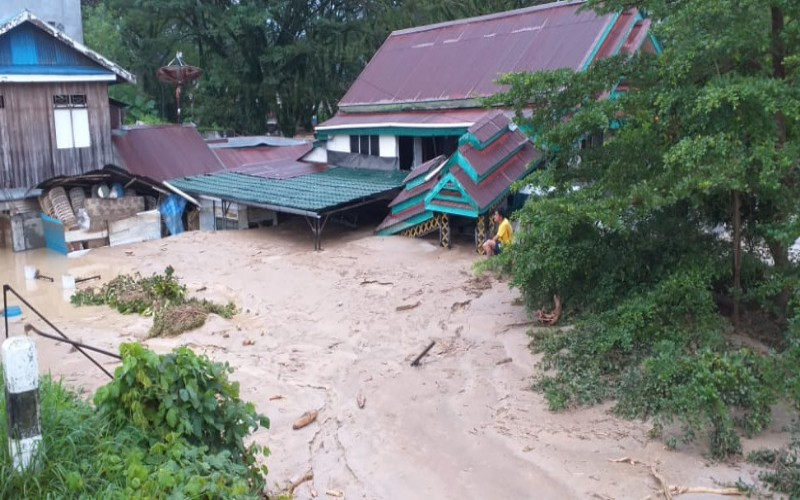 Banjir bandang Luwu Timur