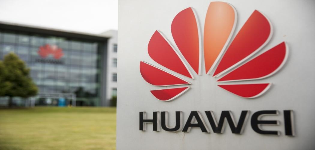 Nasib Huawei, perusahaan teknologi asal China terbilang tragis karena kali ini harus ditendang dari Inggris setelah Perdana Menteri Inggris Boris Johnson memberikan batas waktu untuk meninggalkan Britania Raya hingga 2021. (Jason Alden - Bloomberg)