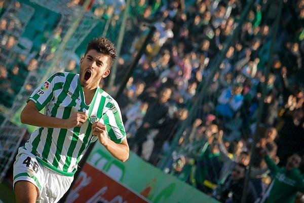 Dani Ceballos ketika masih bermain untuk Real Betis. - YouTube