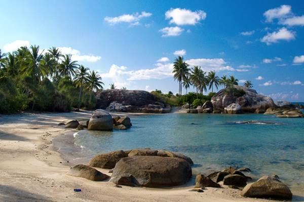 Ilustrasi-Pantai di Bangka Belitung - bangkabelitung.com