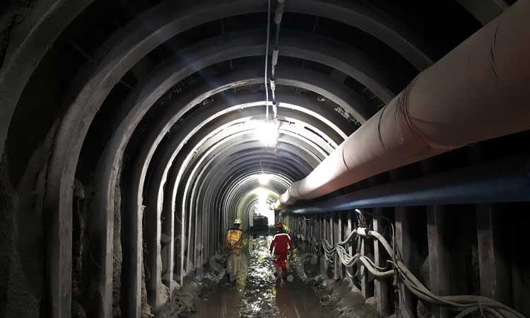 Ilustrasi: Pekerja berada di proyek konstruksi Bendungan Rukoh di Kabupaten Pidie, Aceh, Sabtu (22/2/2020). - Bisnis/Agne Yasa.