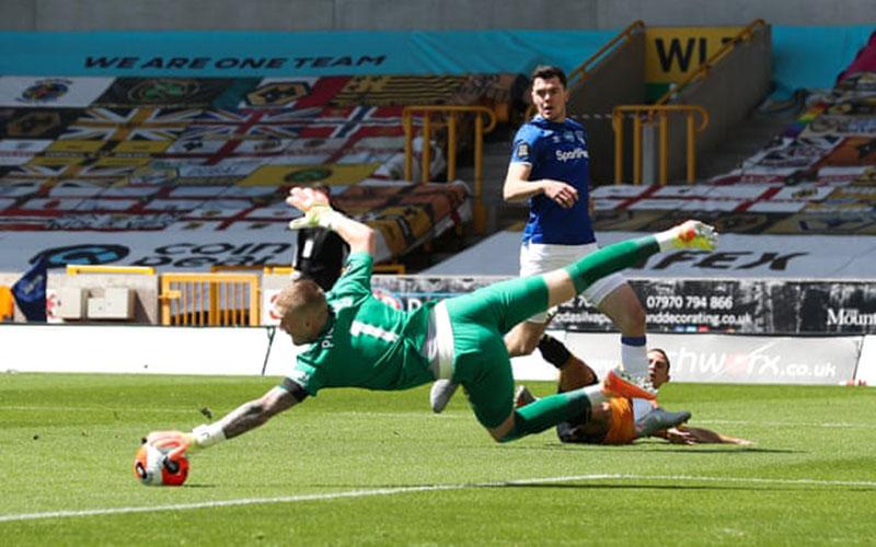 Jordan Pickford ketika Everton digasak Wolverhampton 0-3 pada pertandingan Liga Primer Inggris 4 hari lalu. - The Guardian