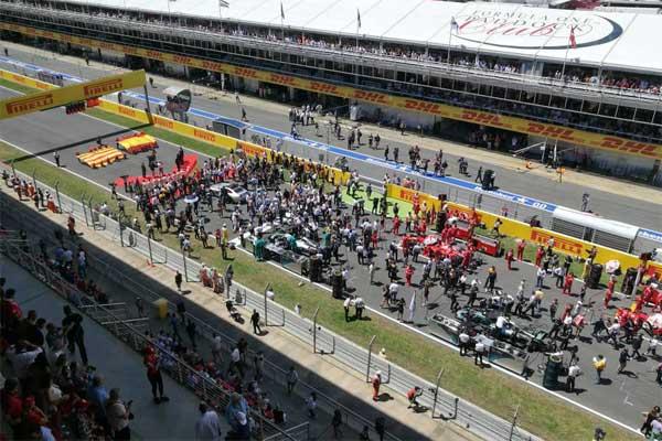 Suasana menjelang start di Sirkuit Formula 1 Catalunya, Barcelona, Spanyol di partai terakhir balapan Formula 1 Grand Premio de Espana Pirelli 2017, Minggu (14/5). - JIBI/Arif Budisusilo