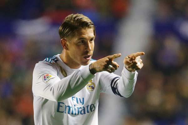 Kapten Real Madrid Sergio Ramos - Reuters/Heino Kalis