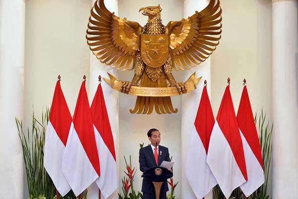 Presiden Joko WIdodo memberikan sambutan ketika membuka rapat kerja Kepala Perwakilan Republik Indonesia (Keppri) di Gedung Pancasila, Kemenlu, Jakarta, Senin (12/2). - ANTARA/Wahyu Putro A