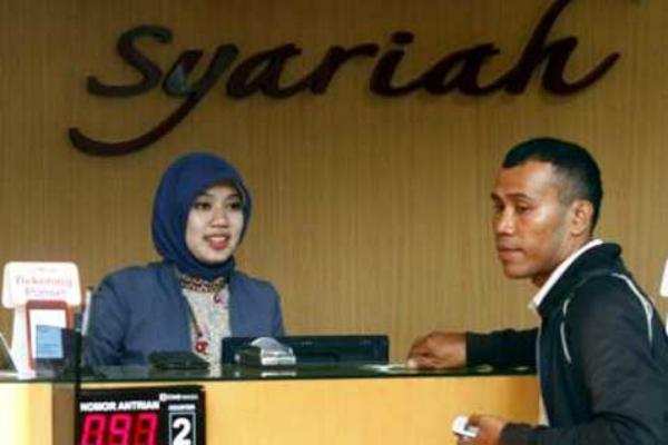 Pelayanan di salah satu bank syariah. - Ilustrasi/Bisnis