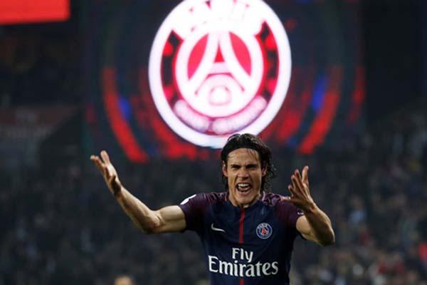 Edinson Cavani ketika masih berseragam Paris Saint-Germain./Reuters - Gonzalo Fuentes