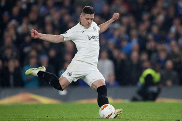 Luka Jovic berseragam Eintracht Frankfurt./Reuters - Hannah Mckay
