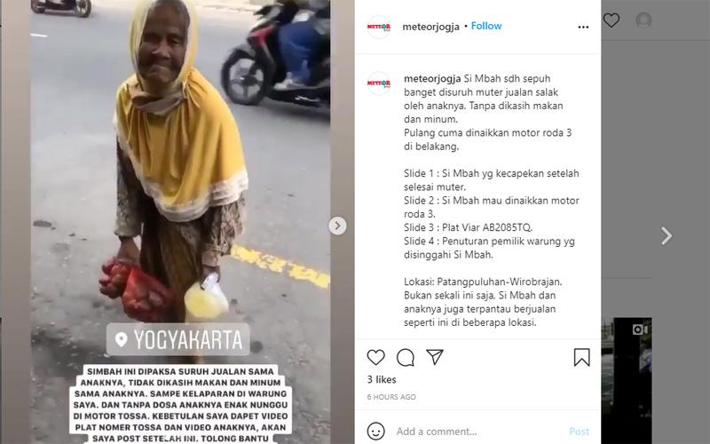 Seorang nenek berjualan buah salak dengan berjalan kaki, mengaku dipaksa oleh anaknya