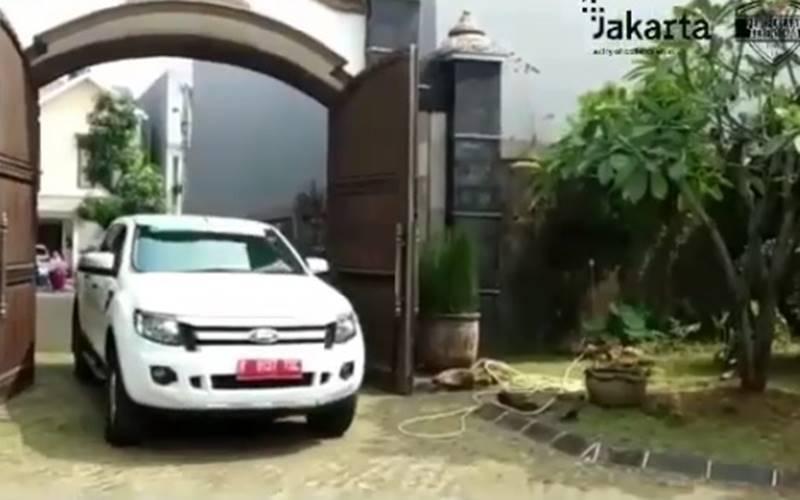 Dinas Lingkungan Hidup (DLH) Provinsi DKI Jakarta menjemput limbah elektronik B3 ke rumah warga di DKI Jakarta. - Instagram @aniesbaswedan