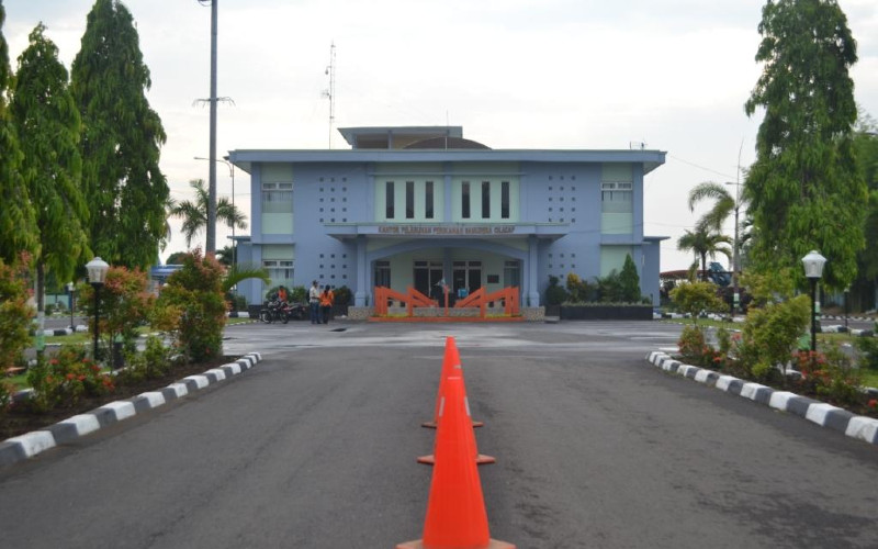 Kantor Pelabuhan Perikanan Samudera (PPS) Cilacap, Jawa Tengah. - KKP