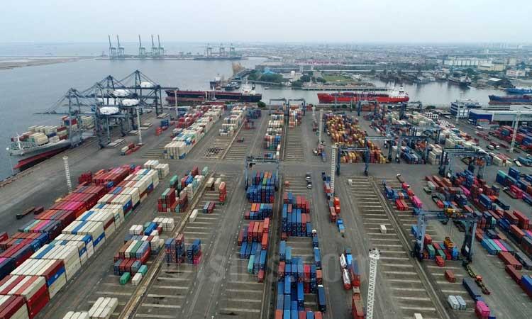 Foto aerial pelabuhan peti kemas Koja di Jakarta. (25/12/2019). Bisnis - Himawan L Nugraha