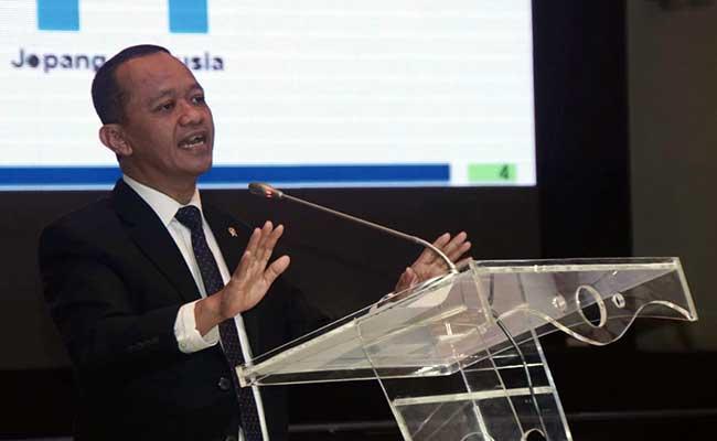 Kepala Badan Koordinasi Penanaman Modal (BKPM) Bahlil Lahadalia memberikan pemaparan dalam seminar Indonesia Economic & Investment Outlook 2020 di Jakarta, Senin (17/2/2020). Bisnis - Himawan L Nugraha
