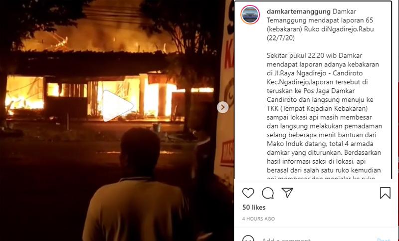 Kebakaran tiga ruko di Ngadirejo Kabupaten Temanggung, Jawa Tengah, Rabu malam 22 Juli 2020. Foto: Dinas Pemadam Kebakaran Temanggung