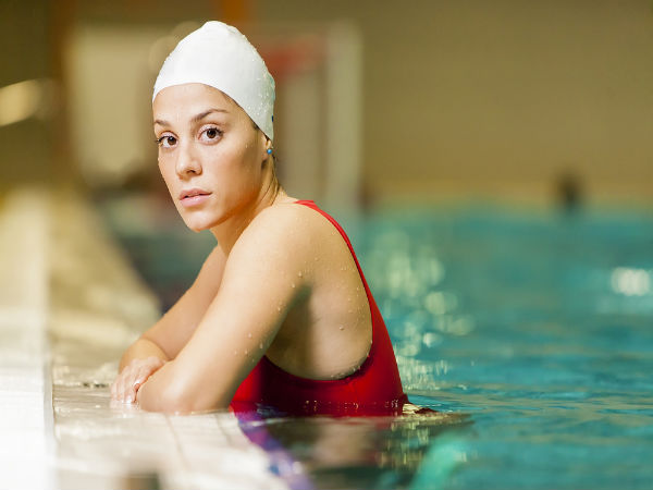 Ilustrasi berenang - boldsky.com