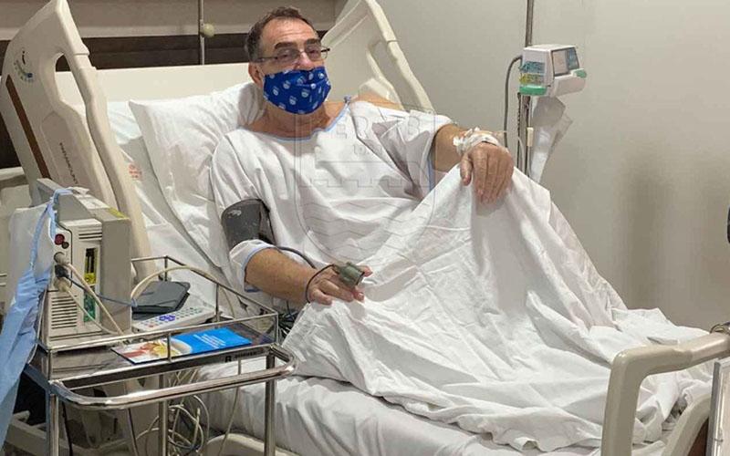 Robert Rene Alberts dirawat di rumah sakit akibat serangan jantung. - Persib,co.id