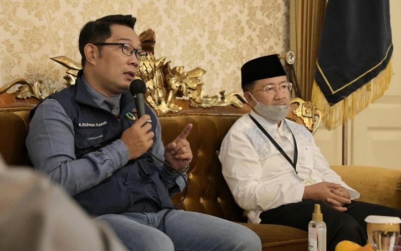 Ketua Gugus Tugas Percepatan Penanggulangan Covid-19 Jawa Barat Ridwan Kamil bersama Ketua Gugus Tugas Covid-19 Kab. Cianjur, Herman Suherman. - Istimewa