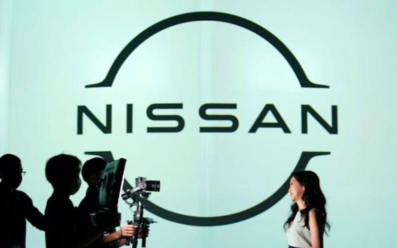 Logo Nissan Motors baru.  - NISSAN