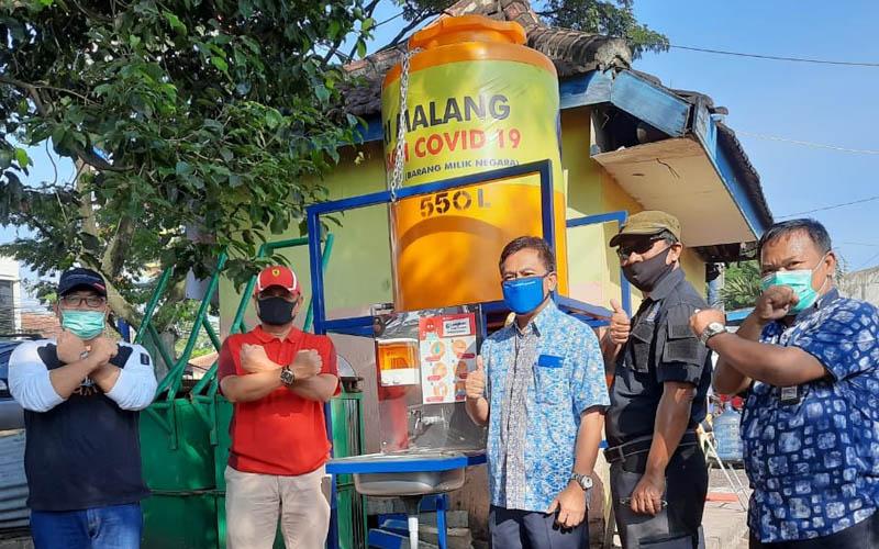 Wastafel portable telah dipasang di pasar tradisional di Kota Malang. - Diskopindag Kota Malang