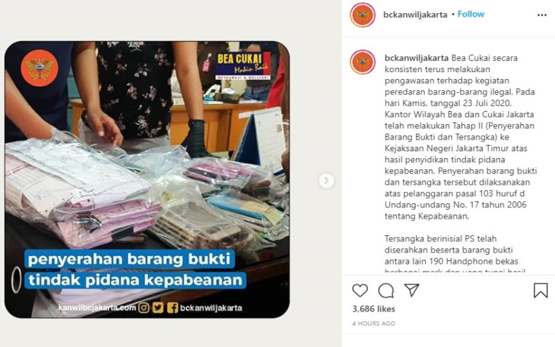Bea Cukai Kanwil Jakarta mengunggah foto penyerahan barang bukti dan tersangka berinisial PS karena melanggar tindak pidana kepabeanan pada Selasa (28/7/2020). sumber: Instagram.com - bckanwiljakarta