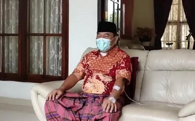 Bupati Ogan Ilir, Ilyas Panji Alam saat konferensi pers terkait dirinya yang terkonfirmasi positif COVID-19, Senin (27/7/2020) - Antara/Aziz Munajar