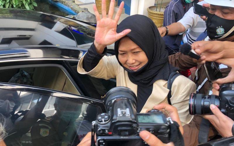 Kuasa hukum buronan Joko Tjandra, Anita Kolopaking usai diperiksa oleh JAMWas Kejagung - Sholahuddin Al Ayyubi
