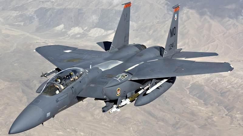 Ilustrasi - Pesawat tempur F-15 Amerika Serikat - Pinterest