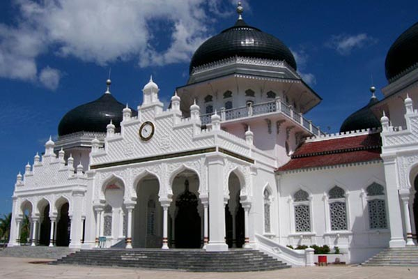 Masjid Baiturrahman di Banda Aceh - Islamic/center.or.id