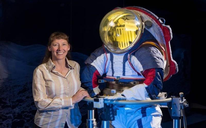 Rover Perseverance NASA Bawa Bahan Spacesuit Pertama ke Mars