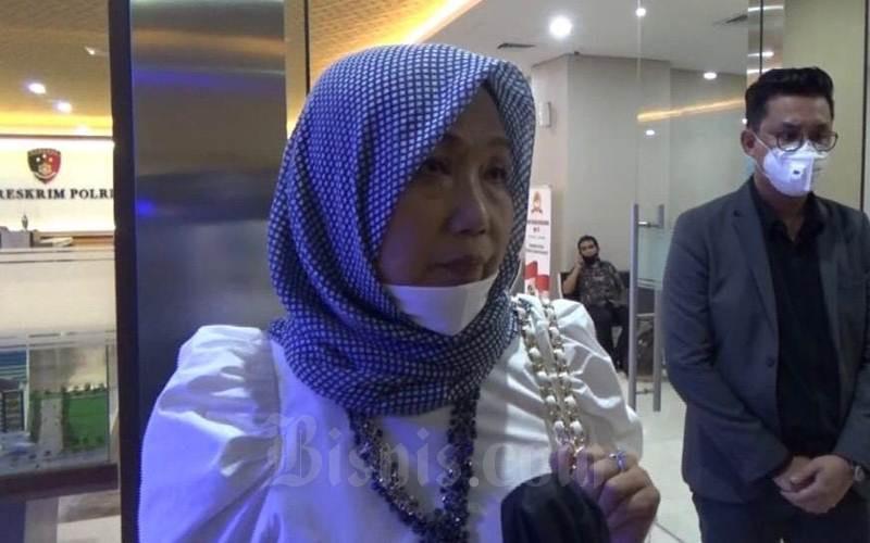 Kuasa Hukum Djoko Tjandra, Anita Kolopaking usai memberikan klarifikasi di Bareskrim Polri, Kamis (16/7/2020). - Bisnis/Sholahuddin Al Ayyubi