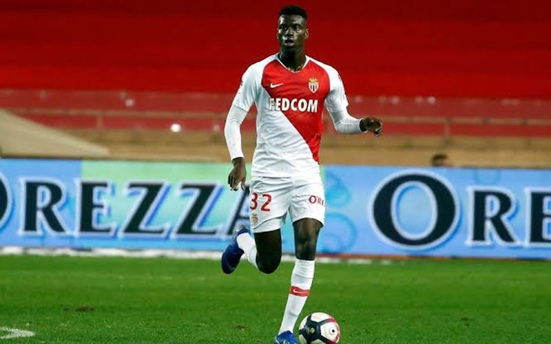 Pemain AS Monaco Benoit Badiashile - Media Referee