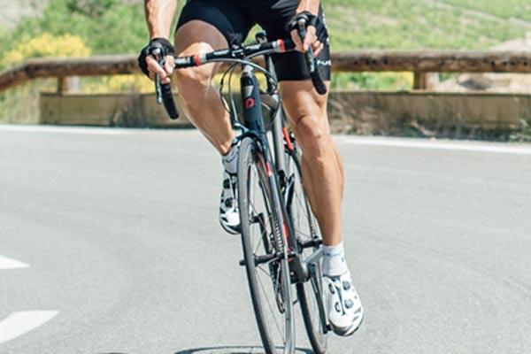 Polygon telah ada sejak 1989, yang berawal dari sebuah perusahaan kecil berorientasi untuk memproduksi sepeda khusus untuk ekspor.   - Polygon