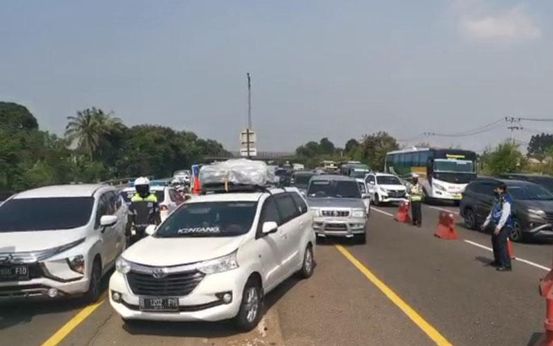 Arus balik Iduladha pada Minggu (2/8/2020) di jalan tol Jakarta-Cikampek arah Jakarta./Istimewa - Jasa Marga