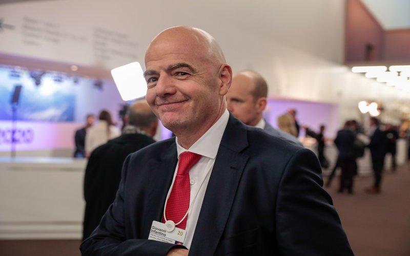 Giovanni Infantino, Presiden FIFA, dalam pembukaan World Economic Forum (WEF) di Davos, Swiss, pada Selasa (21/1/2020) -  Bloomberg / Jason Alden