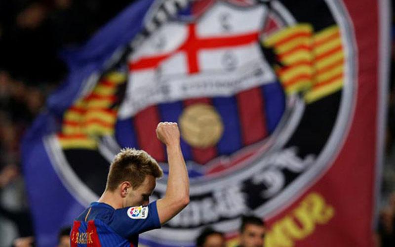Pemain Barcelona Ivan Rakitic./Reuters - Albert Gea