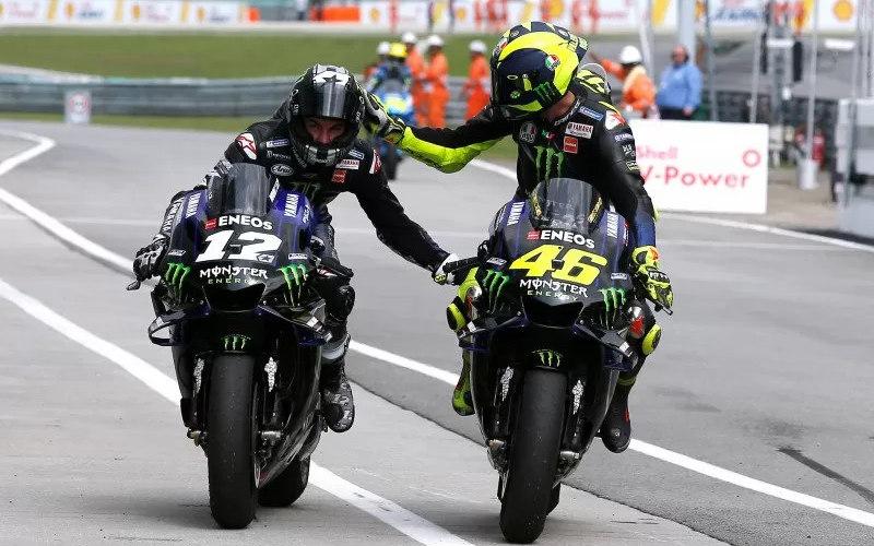 Maverick Vinales (kiri) dan Valentino Rossi - Antara